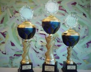 Pokale für die Allee-Lauf Teams mit den meisten Startern